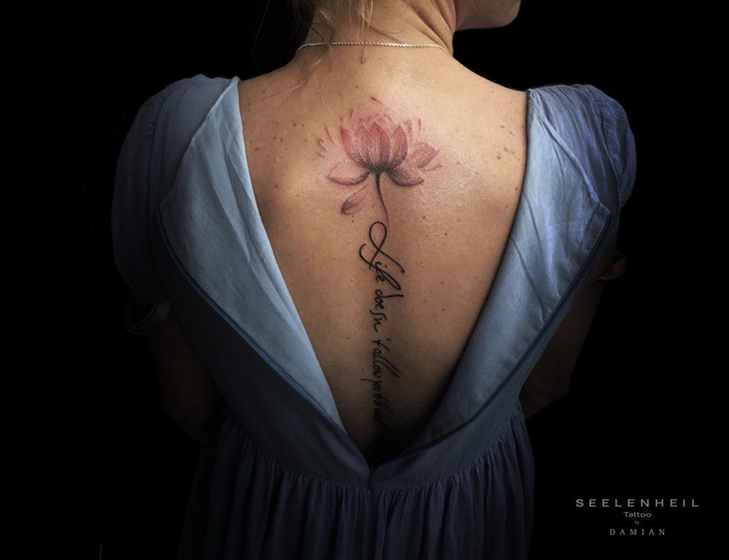 http://tattoostudio-seelenheil.de/wp-content/uploads/2019/07/SeelenheilTulpeRücken2-1042x800.jpg